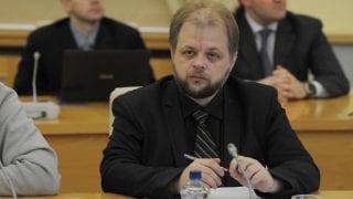 Написать историю Русской Зарубежной Церкви без уклонения вправо или влево