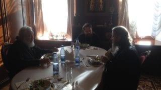 Митр. Иларион на обеде с членом комиссии по канонизации РПЦЗ. 19-го ноя. 2014 г., Москва